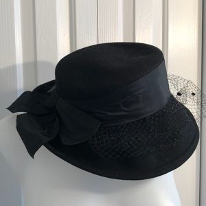 Benmar felt black Easter hat with lace.